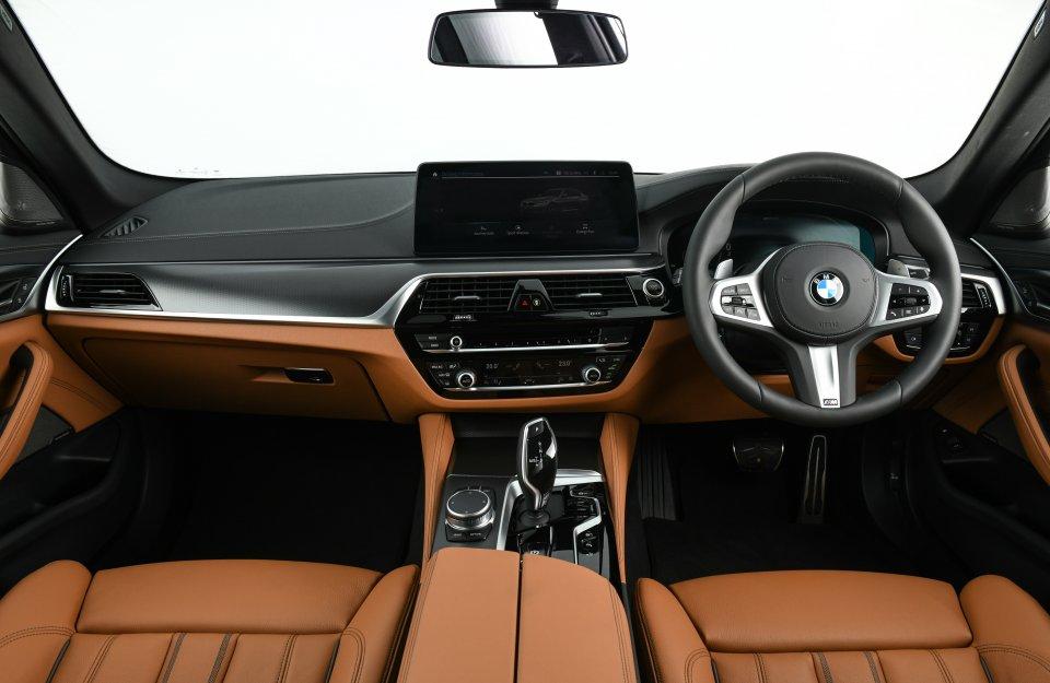 บีเอ็มดับเบิลยู BMW 530e M Sport